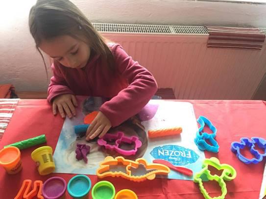 Play-Doh plastelínu milují všichni ...